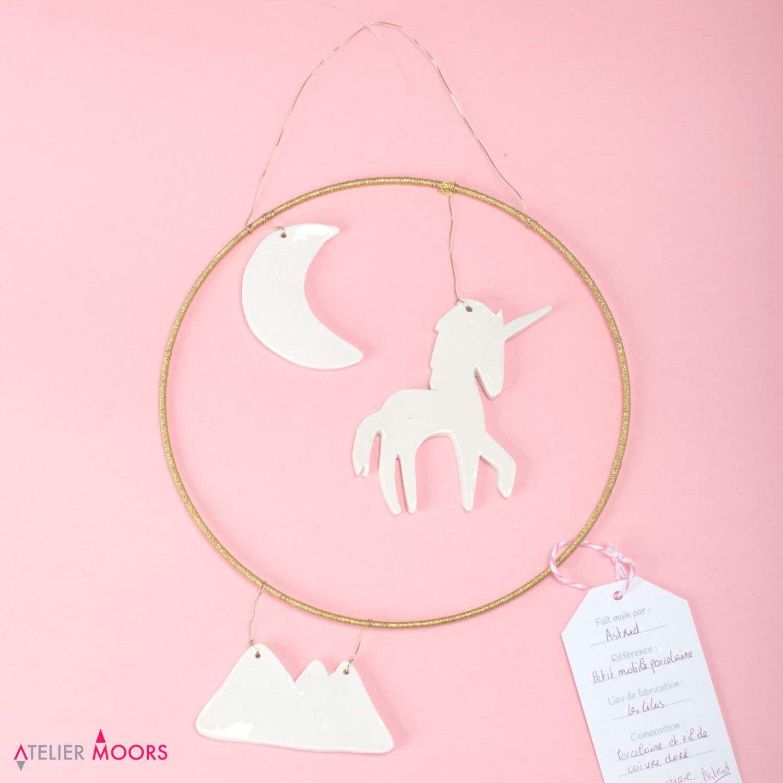 Petit Mobile licorne en porcelaine Atelier Moors